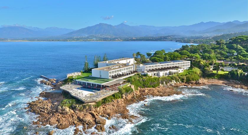 Sofitel golfe d 39 ajaccio thalassa sea spa hotel for Hotel au bord de mer