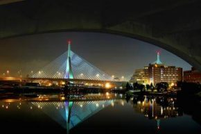 Бостон, The Leonard P. Zakim-Bunker Hill Memorial