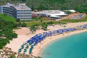 Вид на Asterias Beach Hotel