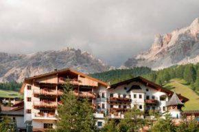 Вид на Rosa Alpina Hotel & Spa