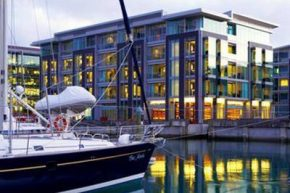 Вид на The Westin Auckland, Lighter Quay