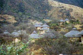 E Unoto Retreat Luxury Lodge]