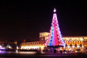 Главная елка на площади Рспублики